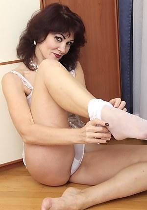 Free Mature Moms Porn Pictures