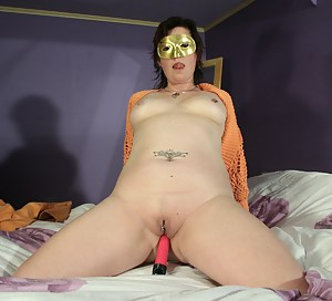 Free Moms Blindfold Porn Pictures