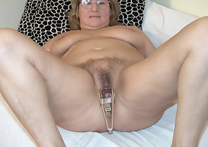 Free Moms Sex Toys Porn Pictures